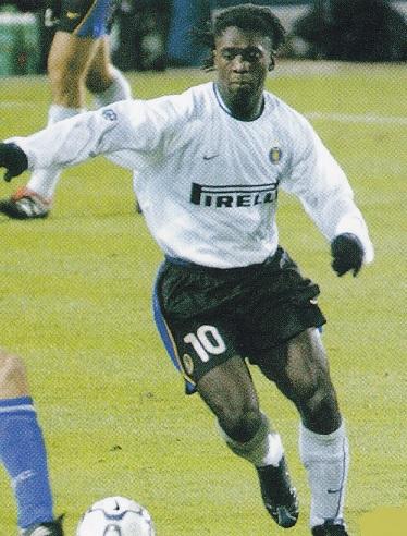 Inter-Milano-01-02-NIKE-second-kit-white-white-white-Clarence-Seedorf.jpg