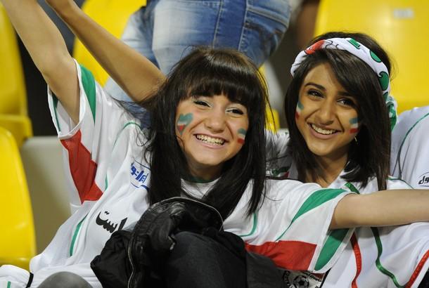 Iran-fans-1.jpg