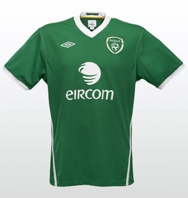 Ireland-10-11-UMBRO-home-shirt.JPG