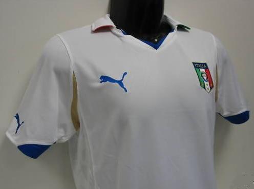 Italy-10-11-PUMA-away-shirt.JPG