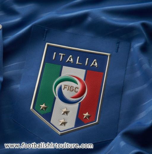 Italy-12-PUMA-new-home-shirt-8.jpg