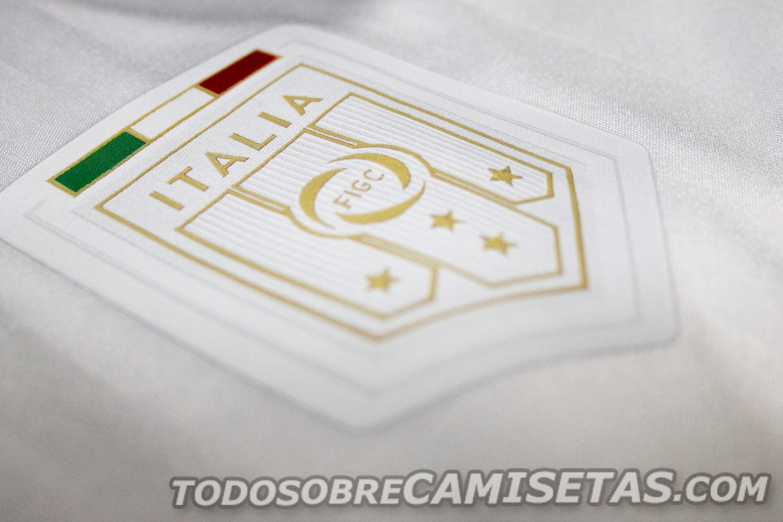 Italy-2016-PUMA-tribute-away-kit-9.jpg