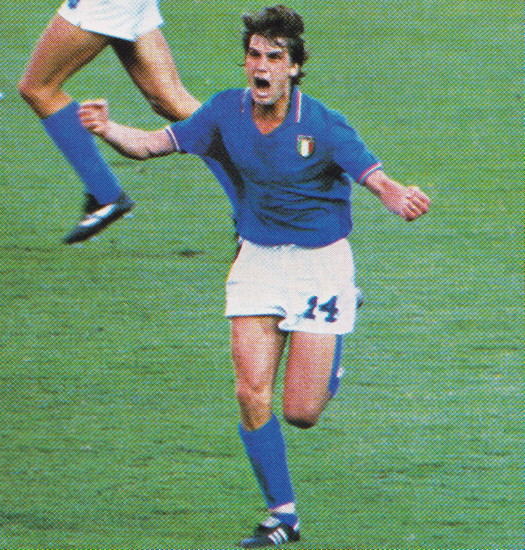 Italy-82-Le coq-world-cup-home-kit-blue-white-blue.jpg