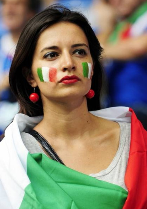 Italy-fans-2012-2.jpg