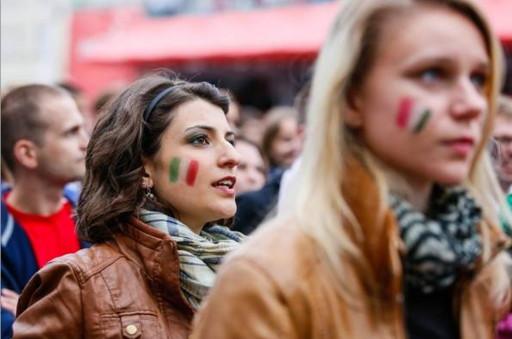 Italy-fans-2012-4.jpg