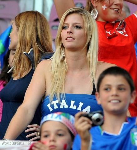 Italy-supporter.jpg