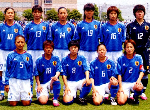 Japan-04-05-adidas-women-blue-white-blue-group.JPG