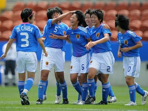 Japan-08-adidas-W-U17-blue-white-blue-joy.jpg