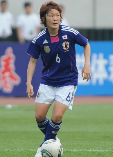 Japan-11-adidas-nadeshiko-world-cup-champion-badge-blue-white-blue-2.jpg