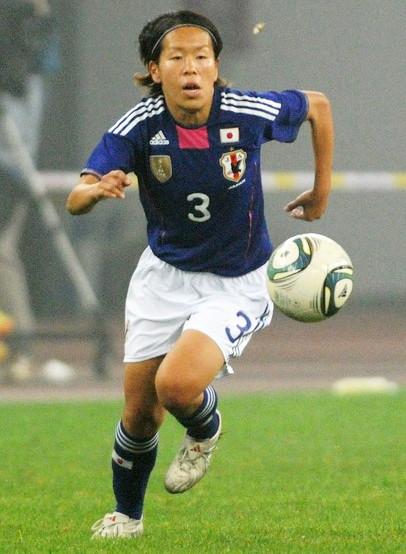 Japan-11-adidas-nadeshiko-world-cup-champion-badge-home-kit-blue-white-blue-2.jpg