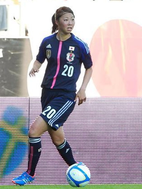 Japan-12-13-adidas-women-home-kit-deep blue-deep-blue-deep blue-3.jpg
