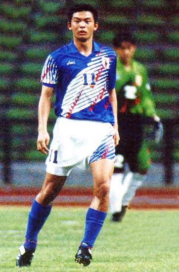 Japan-95-asics-U22-home-bleu-white-blue.JPG