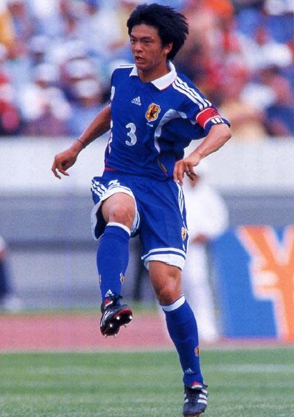 Japan-99-00-adidas-home-bleu-blue-blue-Matsuda.JPG