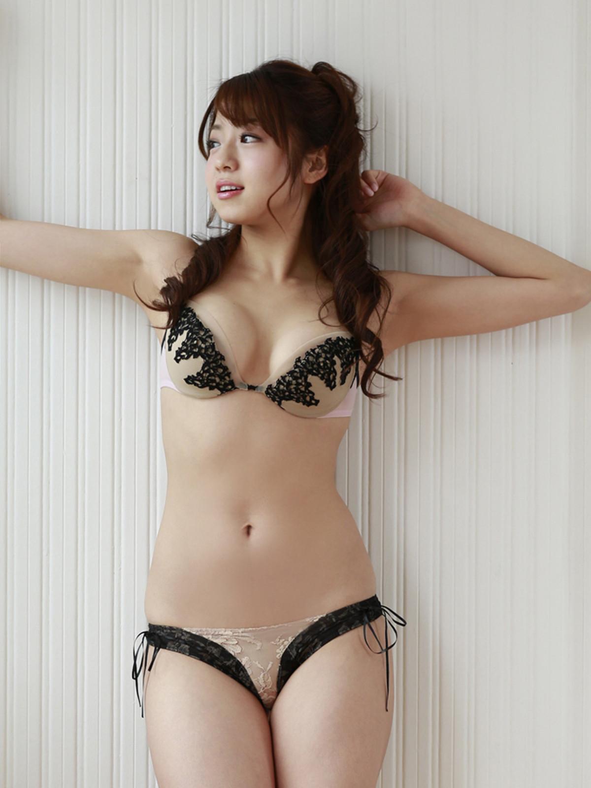 Japan-Shizuka-Nakamura-2.jpg