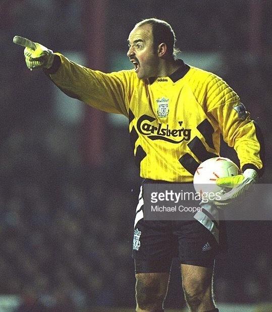 Liverpool-1993-94-adidas-GK-kit-Bruce-Grobbelaar .jpg