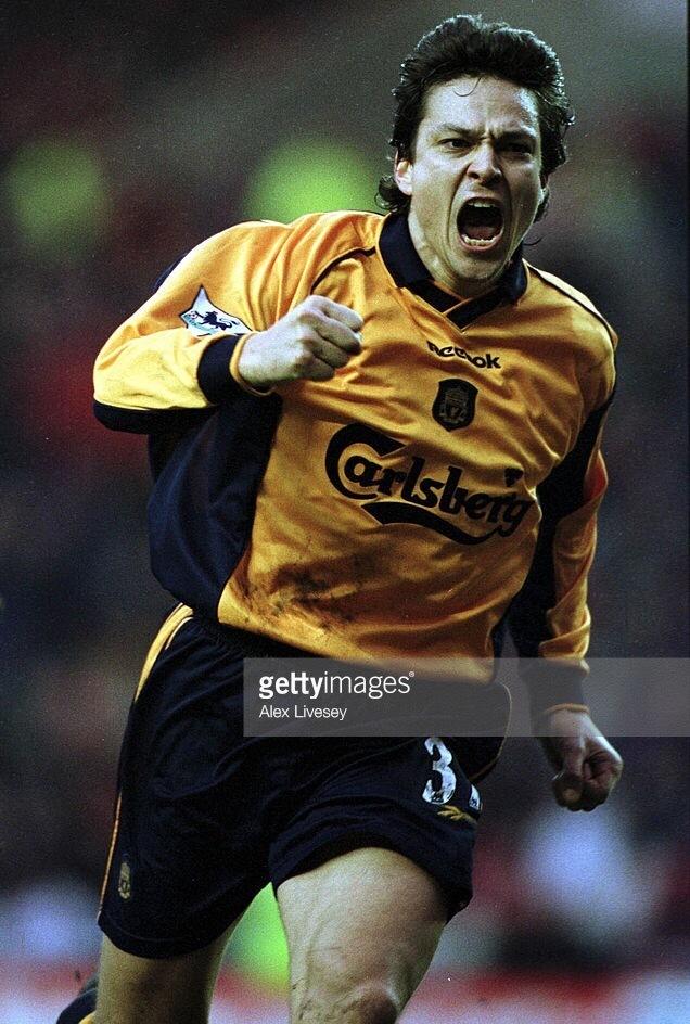 Liverpool-2000-01-Reebok-away-kit-Jari-Litmanen.jpg