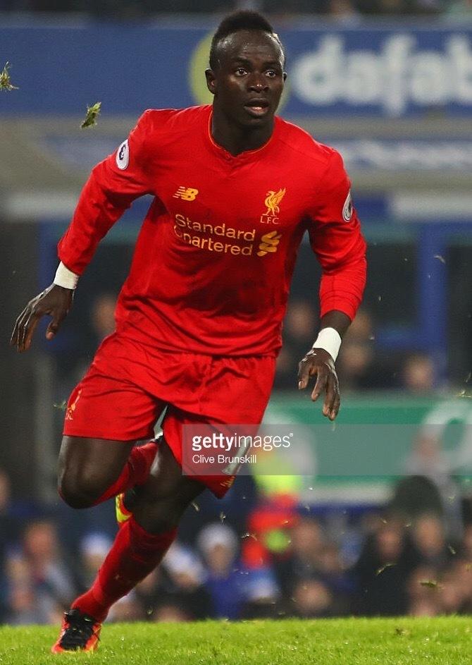 Liverpool-2016-17-NEW-BALANCE-home-kit-Sadio-Mane.jpg