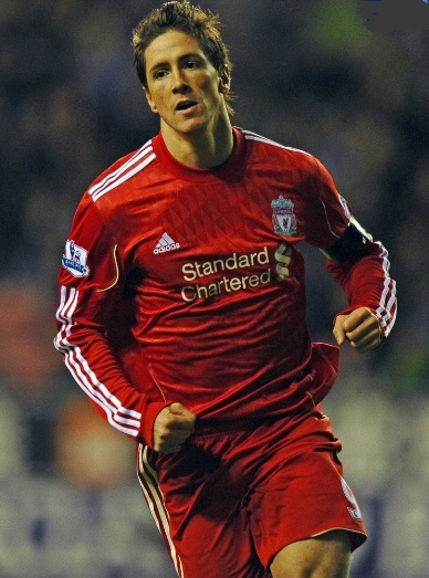 Liverpool-FC-10-11-adidas-first-kit-red-red-red.jpg