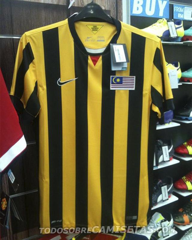 Malaysia-14-15-NIKE-home-kit-2.jpg