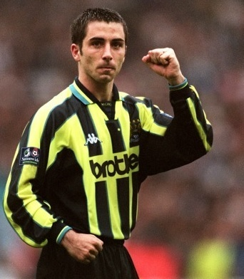 Manchester-City-1998-99-Kappa-away-kit-Kevin-Horlock.jpg