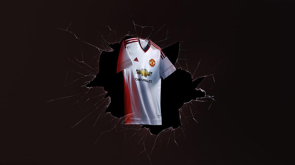 Manchester-United-15-16-adidas-new-away-kit-11.jpg