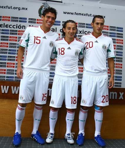 Mexico-10-adidas-Bicentennial-kit-new-white-1.jpg