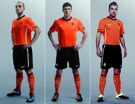 Netherlands-10-11-NIKE-home-shirt-orange-black-orange.jpg