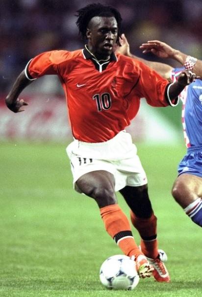 Netherlands-1998-NIKE-home-kit-Clarence-Seedorf.jpg