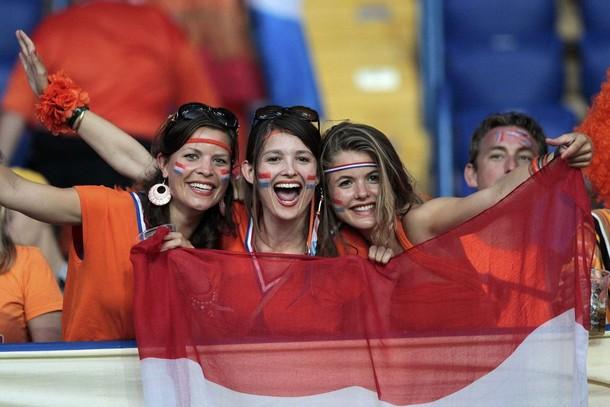 Netherlands-fans-2012-4.jpg