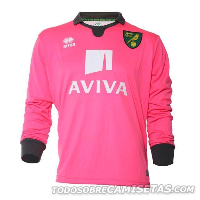 Norwich-City-15-16-errea-new-GK-kit-21.JPG