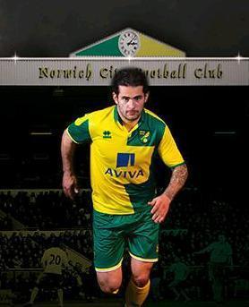 Norwich-City-15-16-errea-new-home-kit-6.JPG
