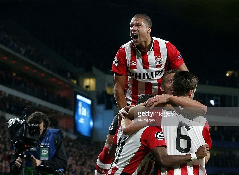PSV-Eindhoven-Roaring-of-delight-2015_2.jpg