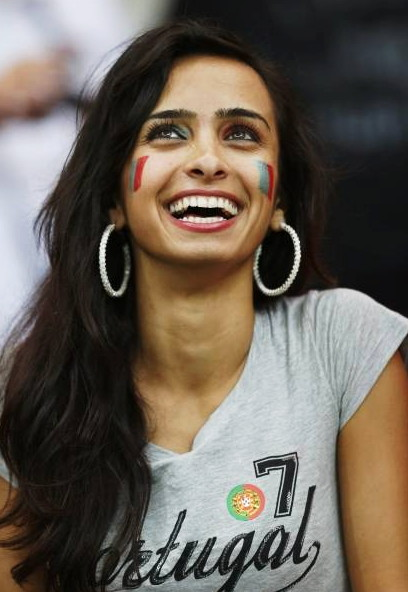 Portugal-fans-2012-7.jpg