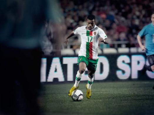 Portugal-world-cup-2010-NIKE-away-kit-leaked-2.JPG