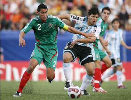 QF070715アルゼンチン縞黒白1-0メキシコ緑緑赤.jpg
