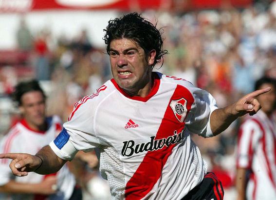 River-Plate-03-04-adidas-home-kit-Marcelo-Salas.jpg