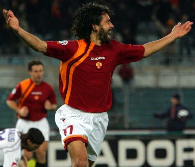 Roma-05-06-DIADORA-first-kit-red-white-black-Damiano-Tommasi.jpg