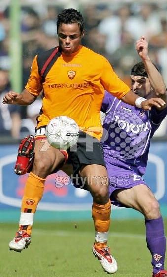 Roma-05-06-DIADORA-third-Banca-Italease-kit-orange-black-orange-Mancini.jpg