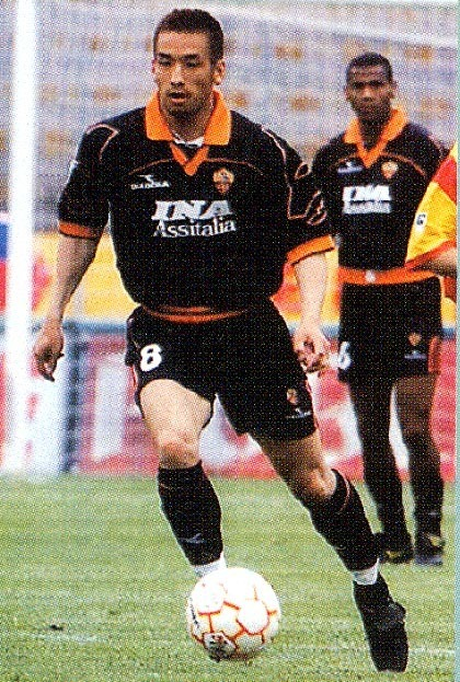 Roma-99-00-DIADORA-third-kit-black-black-black-中田英寿.jpg