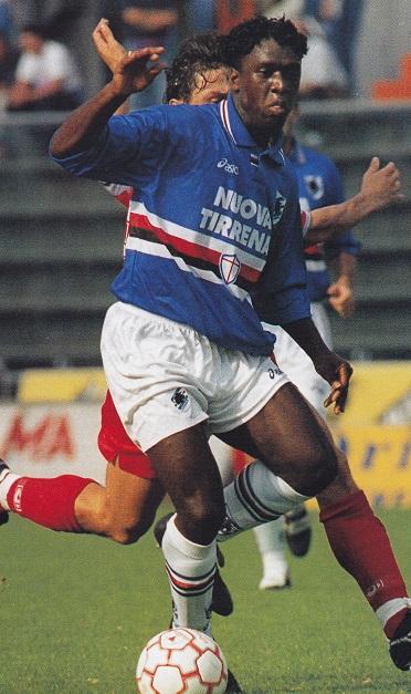 Sampdoria-95-96-asics-home-kit-blue-white-white.jpg