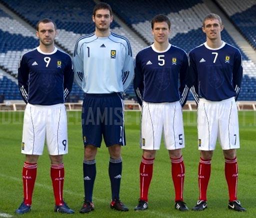 Scotland-10-11-adidas-home-kit-4.JPG