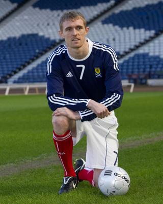 Scotland-10-11-adidas-home-kits-2.JPG