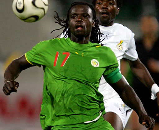 Senegal-06-07-PUMA-green-green-green-logo.JPG