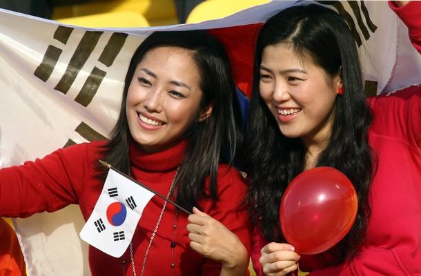 South Korea-fans-5.jpg