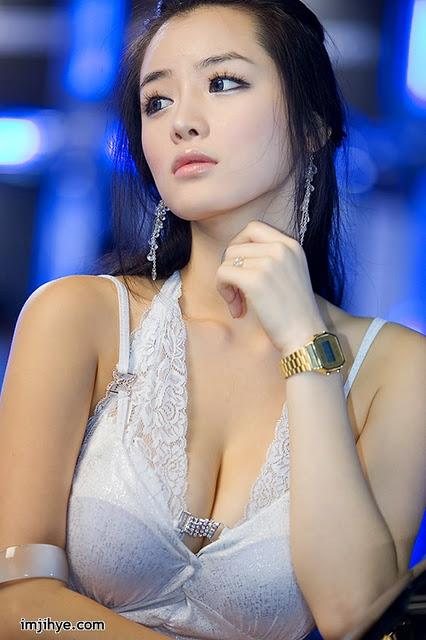 South Korea_hot_model_2.jpg