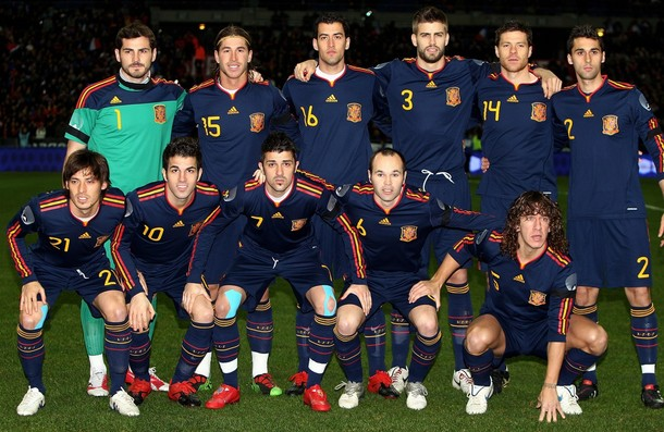 Spain-10-11-adidas-away-uniform-navy-navy-navy-group.jpg