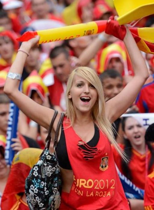 Spain-fans-2012-9.jpg