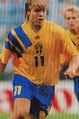 Sweden-92-adidas-home.JPG