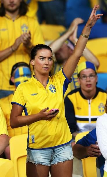 Sweden-fans-2012-2.jpg