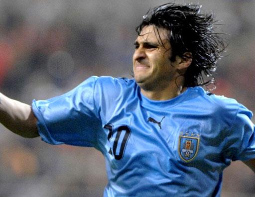 Uruguay-06-07-PUMA-light blue-black-black-logo.JPG